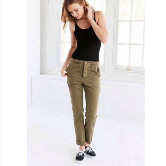 Urban Outfitters Pants - NWT Urban Outfitters Julie Olive Chino Pants 28